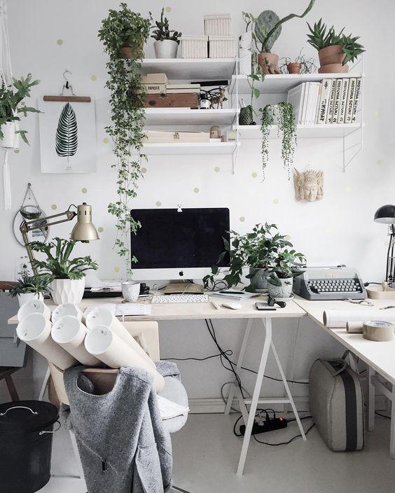 ชื่อรูป: Desk set ideas for the year 09 ประกอบเนื้อหา: รวมภาพโต๊ะทำงานสวยๆ เพื่อเป็นไอเดียจัดโต๊ะทำงานปี 2020